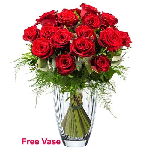 Blossoming Floral Embrace Bunch of Red Roses