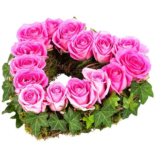 Elegant Heart Shaped Bouquet of Pink Color Roses