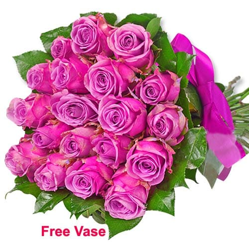 Divine Selection of Pink Color Roses in Glass Vase