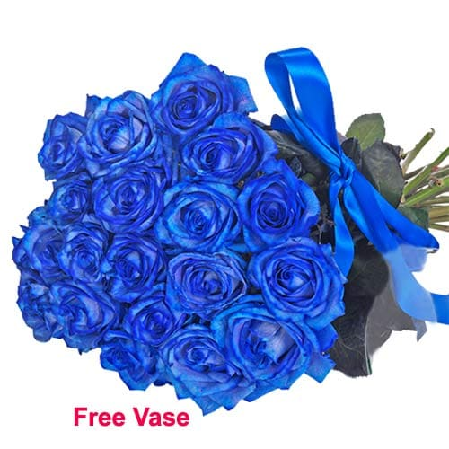 Blossoming True Romance Bunch of Blue Roses in Glass Vase