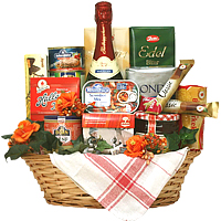 Remarkable Gourmet Basket for Any Occasion<br>