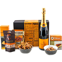 Thrilling Fine Selection Gift Hamper<br>